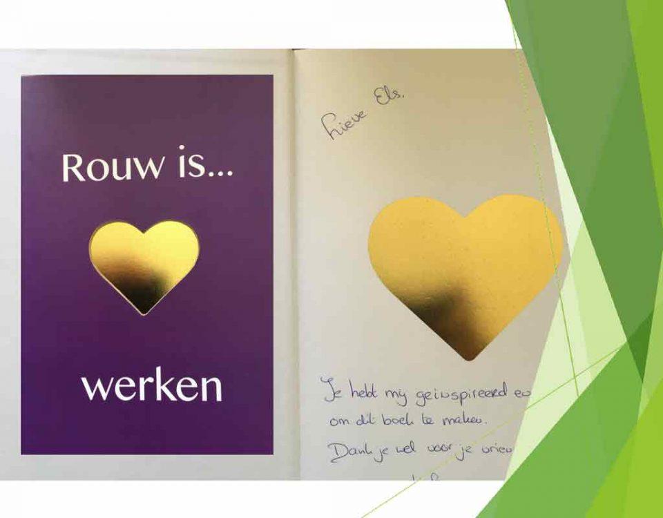 Uitgenodigd om het eerste exemplaar van Rouw is ❤️ werken in ontvangst te nemen. Een boek over rouw en nazorg met tips, gedichten, opdrachten en ruimte om een verlies van je af te schrijven.